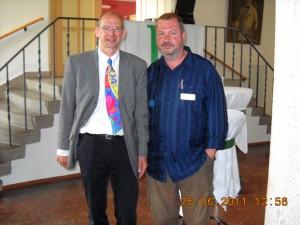 Bild, v.l.n.r.: Herr Dr. Eberling Novartis, Holger Beyer VBAD e.V. (Foto: VBAD e.V.)